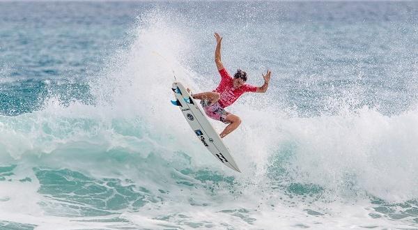 Mais um brasileiro avança no Mundial Pro Junior em Taiwan.   Surftoday 44ff447360
