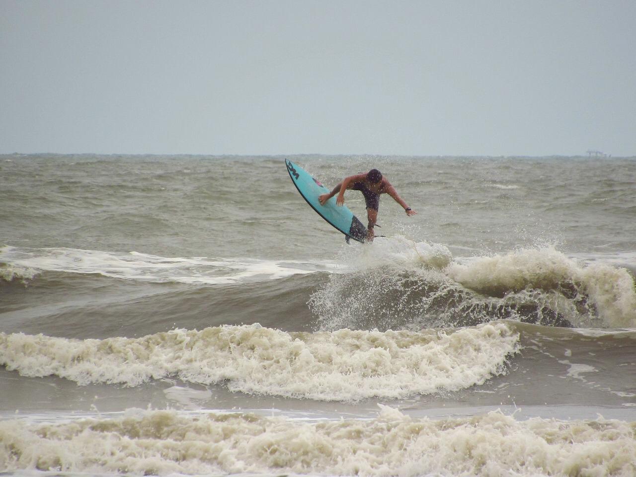 Mateus Lima usa o surf como terapia para superar adversidades e ... 10cacdcc5b