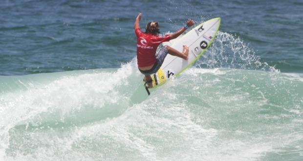 Rip Curl Grom Search 2020 conhece seus campeões neste domingo na Praia da Barra.